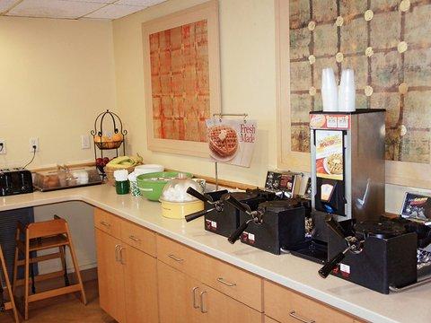 фото La Quinta Inn & Suites Charleston Riverview 488812371
