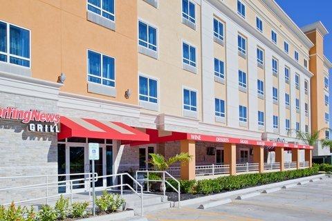 фото Holiday Inn Near Boardwalk 488812625