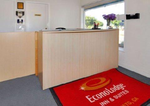 фото Econo Lodge Inn and Suites Novato 488814558