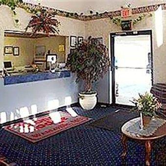 фото Economy Inn Wentzville 488818272