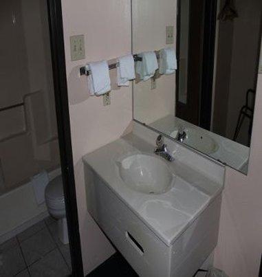 фото Economy Inn Wentzville 488818278