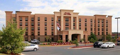 фото Hampton Inn and Suites Fredericksburg South 488818940