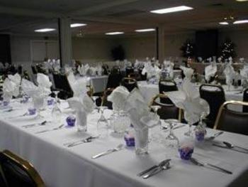 фото Econo Lodge Inn & Suites 488820588