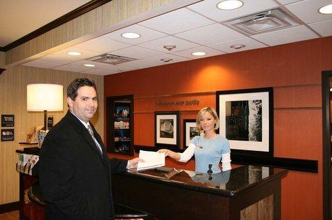 фото Hampton Inn & Suites New Castle 488820773