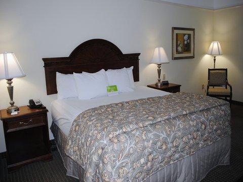 фото La Quinta Inn & Suites Gainesville 488829885