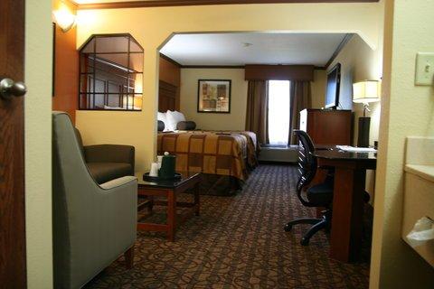 фото Best Western Plus Midwest Inn & Suites 488834281