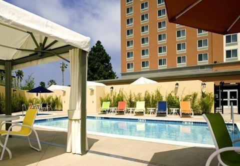 фото Courtyard Los Angeles Westside 488839106