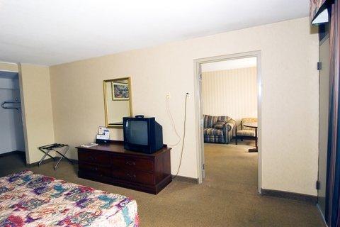 фото Quality Inn & Suites 488839204