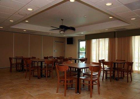 фото Sleep Inn & Suites 488840070