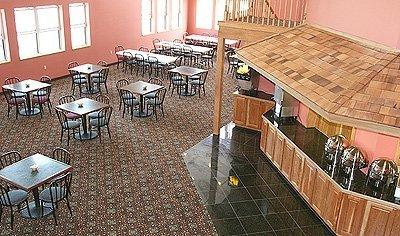 фото Bayside Hotel of Mackinaw 488845820