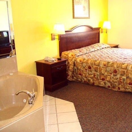 фото Tropicana Inn and Suites 488850241
