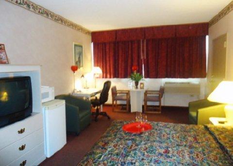 фото Rodeway Inn Springhills Lake George 488851148