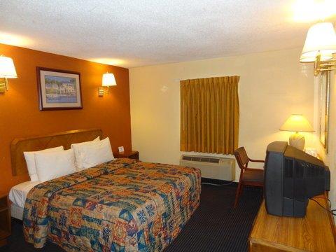 фото America`s Best Value Inn Newark Airport 488852569