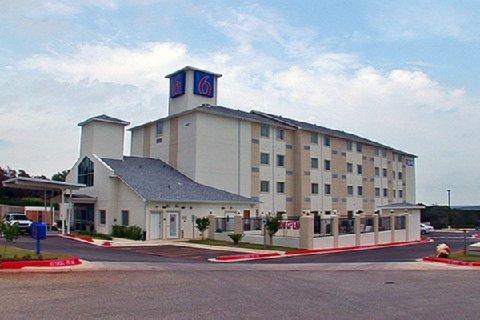 фото Motel 6 Marble Falls 488855262