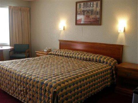фото Red Carpet Inn Virginia Beach 488857057