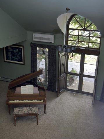 фото HOLLY THORN HOUSE INN 488858332