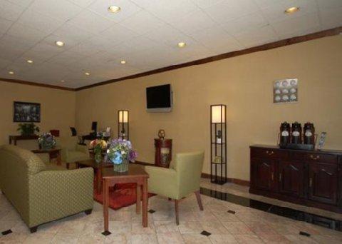 фото Quality Inn & Suites Statesboro 488860896
