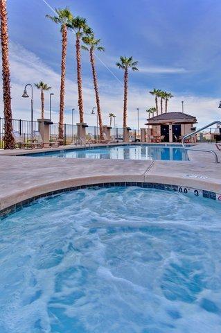 фото Holiday Inn Express Hotel & Suites Yuma 488861577