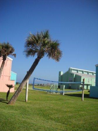 фото Executive Keys Condominiums on the Beach 488862694