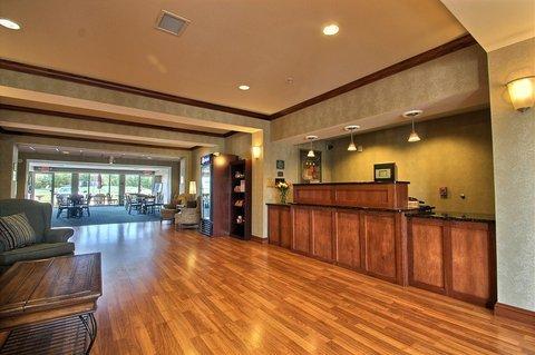 фото B/W Legacy Inn & Suites Beloit/South Beloit 488863225