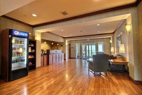 фото B/W Legacy Inn & Suites Beloit/South Beloit 488863226
