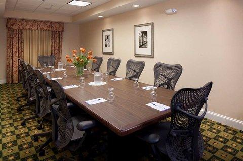 фото Hilton Garden Inn Macon/Mercer University 488863819