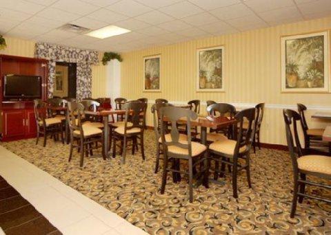 фото Sleep Inn & Suites 488864167