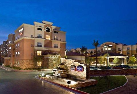 фото SpringHill Suites Phoenix Glendale Sports 488868986