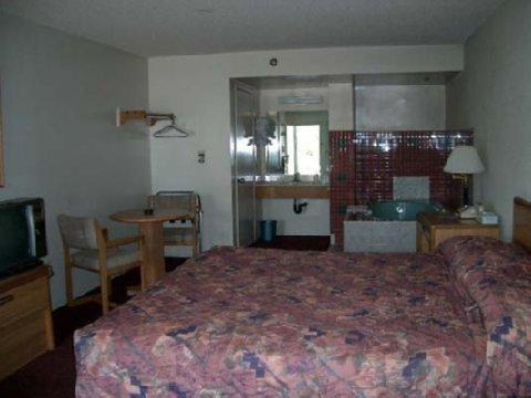 фото Travel Inn Chula Vista 488869653