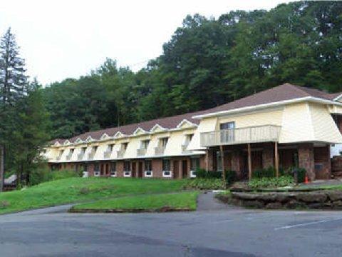 фото Passport Inn and Suites 488870090