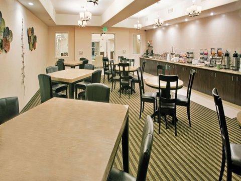 фото La Quinta Inn & Suites Fowler 488870398