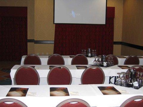 фото DoubleTree Suites by Hilton Bentonville 488871146