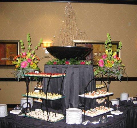 фото DoubleTree Suites by Hilton Bentonville 488871149