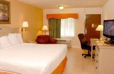 фото Cumberland Island Inn & Suites 488873241