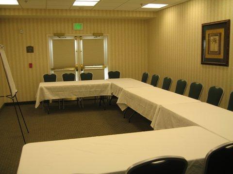 фото Best Western PLUS Lake Elsinore Inn & Suites 488876546