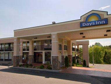 фото Days Inn Newport 488876633