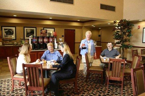 фото Hampton Inn & Suites Wilmington 488879575