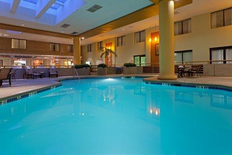 фото Holiday Inn Laurel West - Washington DC Area 488888287