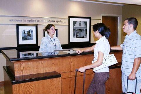фото Hampton Inn & Suites Ephrata - Mountain Springs 488889007