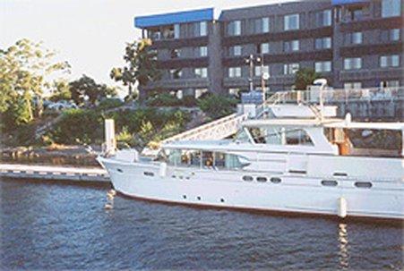 фото Clover Island Inn 488890587
