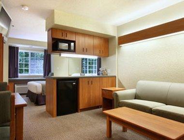 фото Microtel Inn & Suites by Wyndham Beckley East 488895364