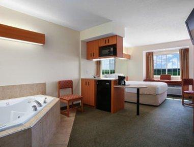 фото Microtel Inn & Suites Colfax/Newton 488895411
