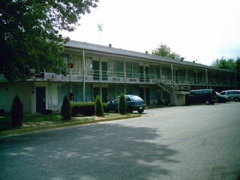 фото Americas Best Inns-Clarksville 488896952