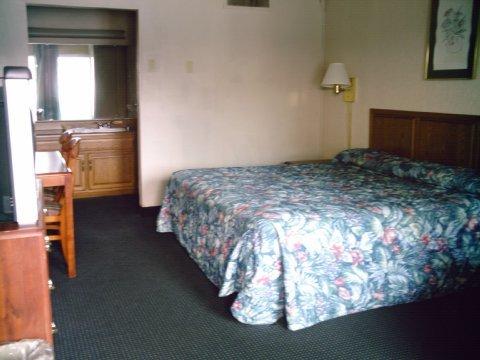 фото Americas Best Inns-Clarksville 488896954