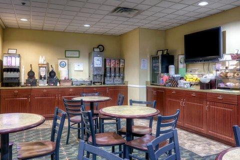 фото Country Inn & Suites - Fredericksburg South 488898302