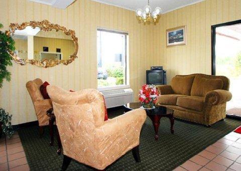 фото Econo Lodge Inn & Suites Lugoff 488901001