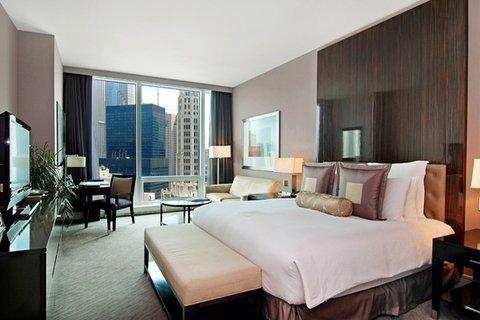 фото Trump International Hotel & Tower Chicago 488901928