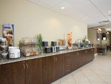 фото Microtel Inn & Suites by Wyndham 488902618