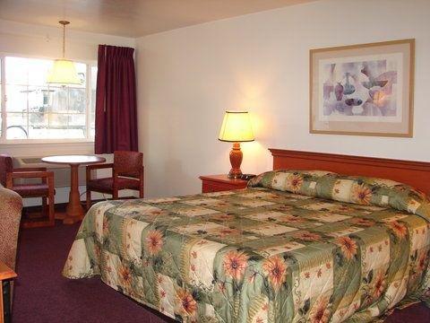 фото Town House Inn 488907333