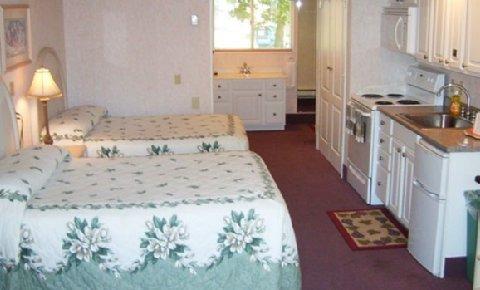 фото Falmouth Heights Motor Lodge 488907514